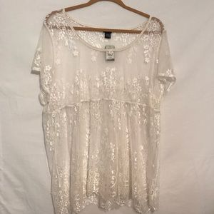 Torrid ivory lace S/S top